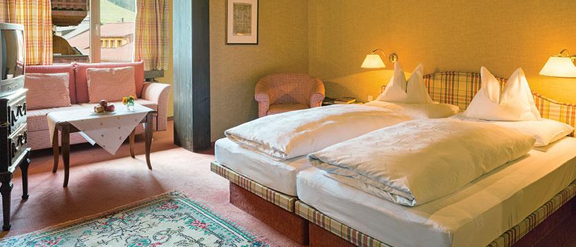 Chalet Hotel Elisabeth, Lech, Austria - double bedroom.jpg